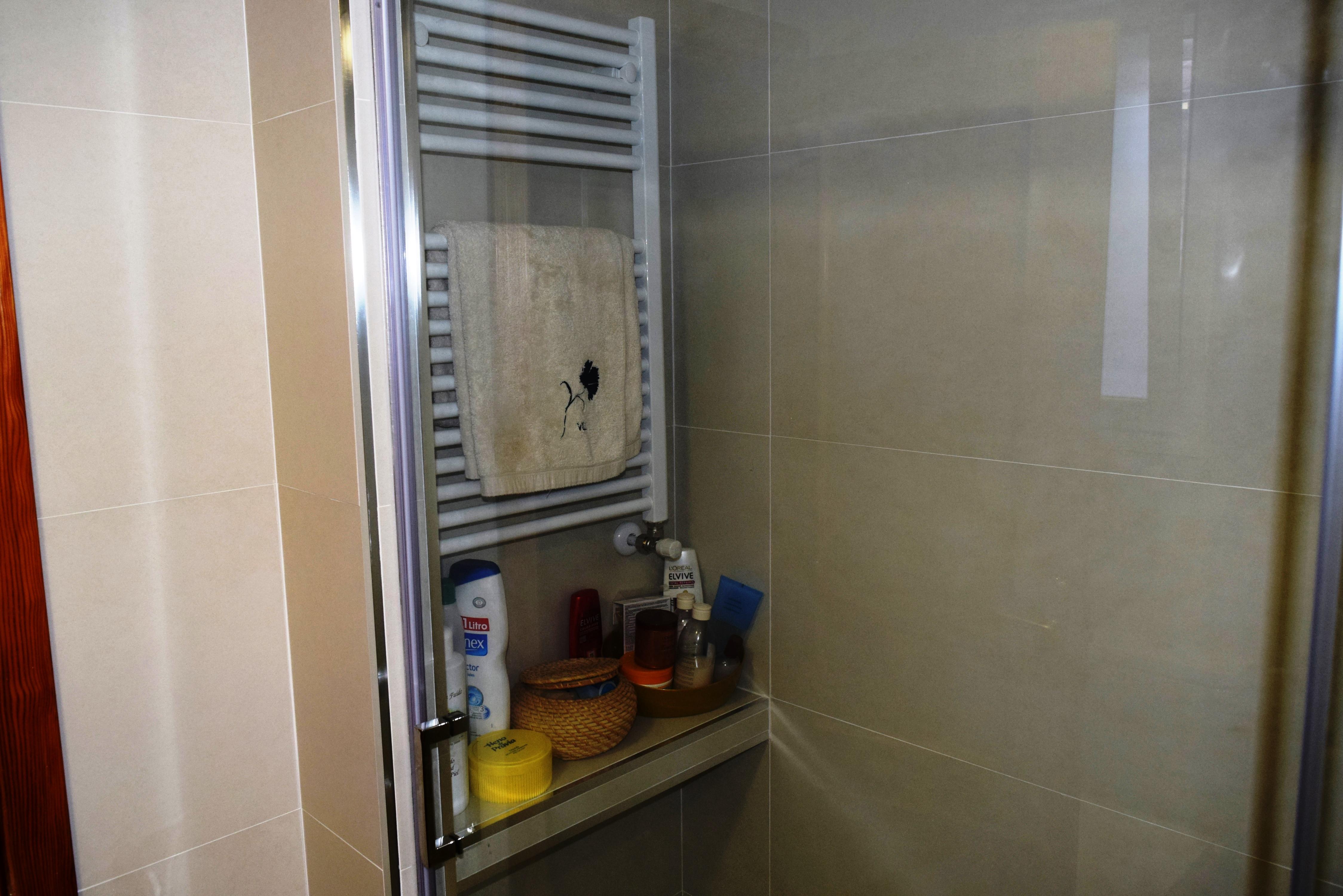Reforma ba o madrid reforma ba o alcal de henares for Toallero para ducha